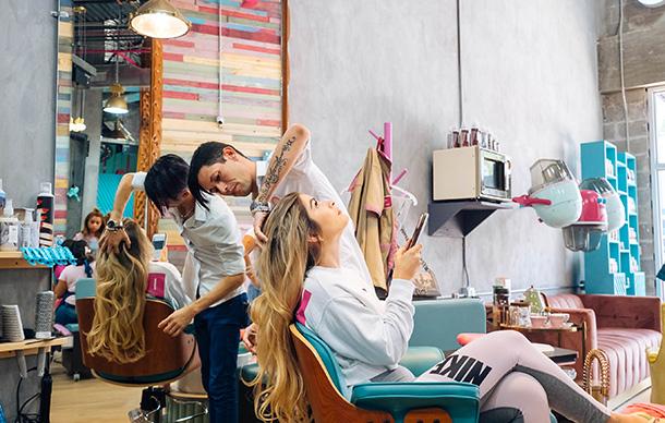 girl getting hair styled at bo roses hair salon